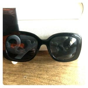 Prada sunglasses with premium polarized lenses